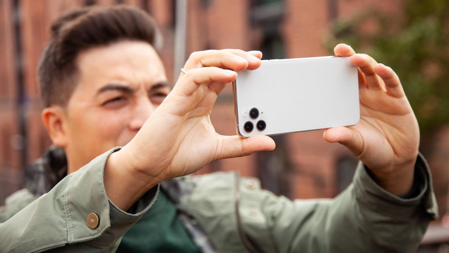 iphone-11-per-max-lifestyle