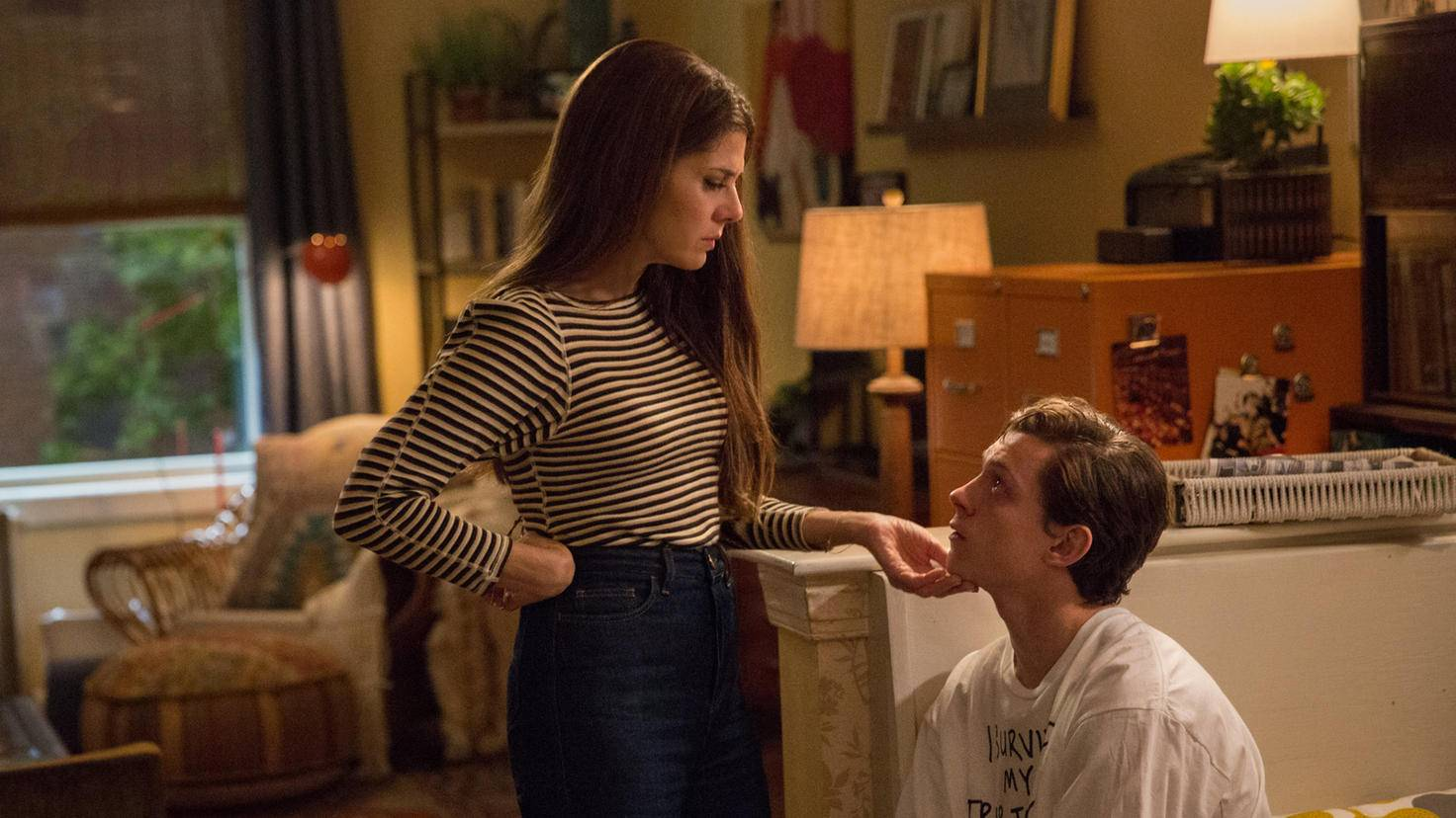 Marisa Tomei and Tom Holland in Spider-Man Homecoming