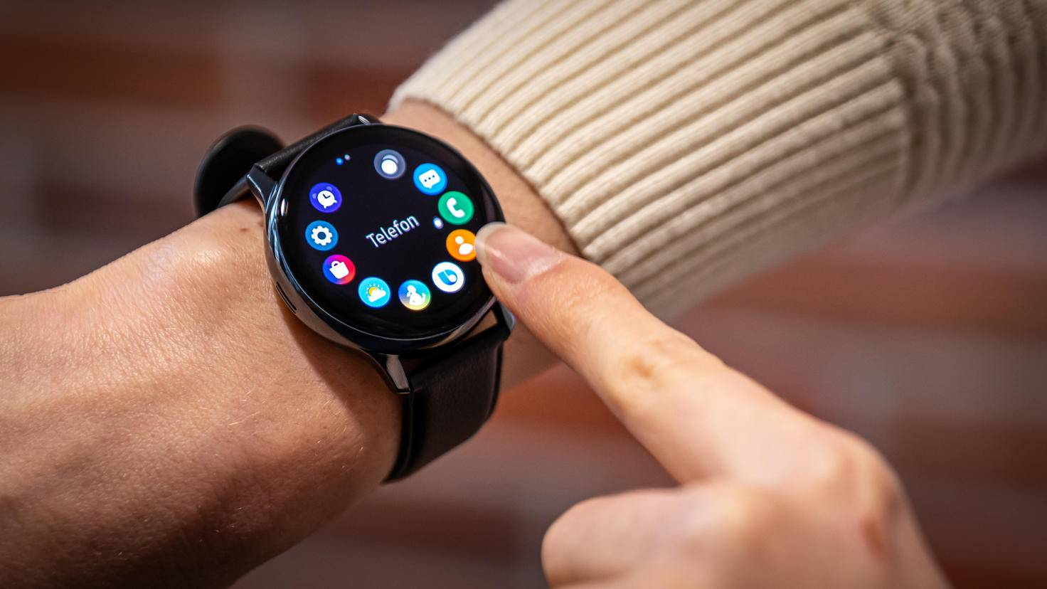 Samsung Galaxy Watch Active 2: digital bezel