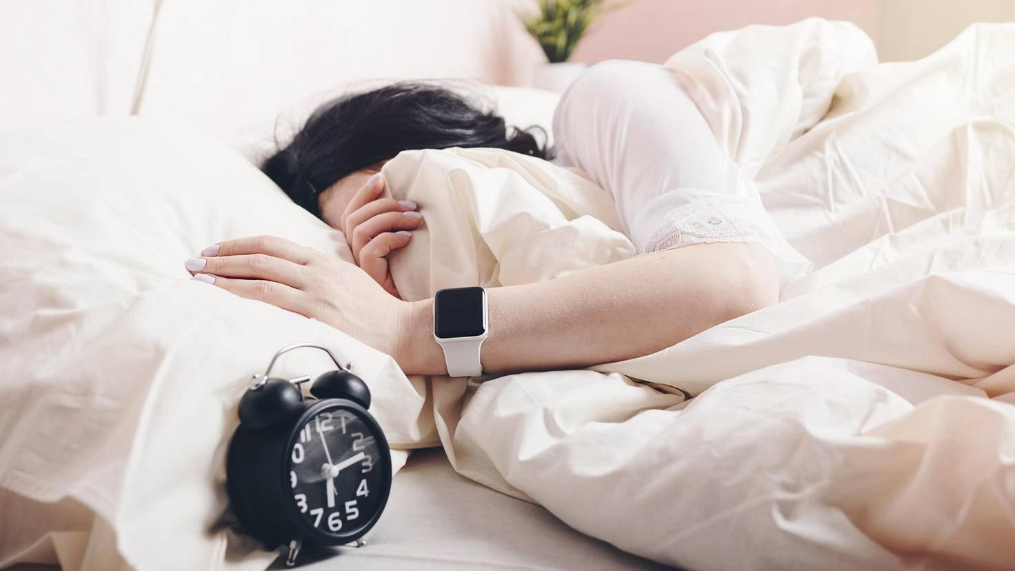 Apple Watch Sleep Apps-Samio20-AdobeStock_247885903