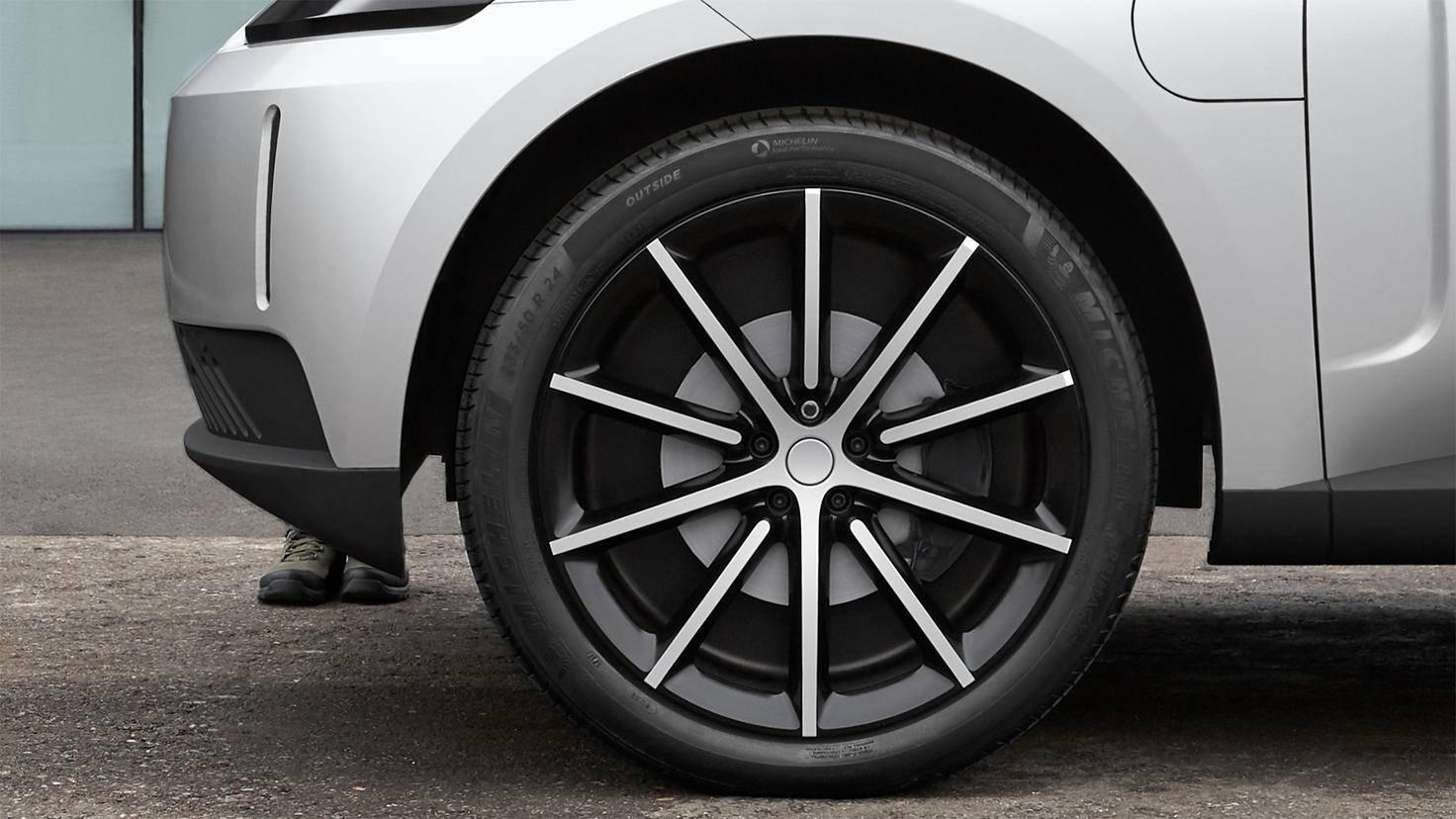 dyson tires