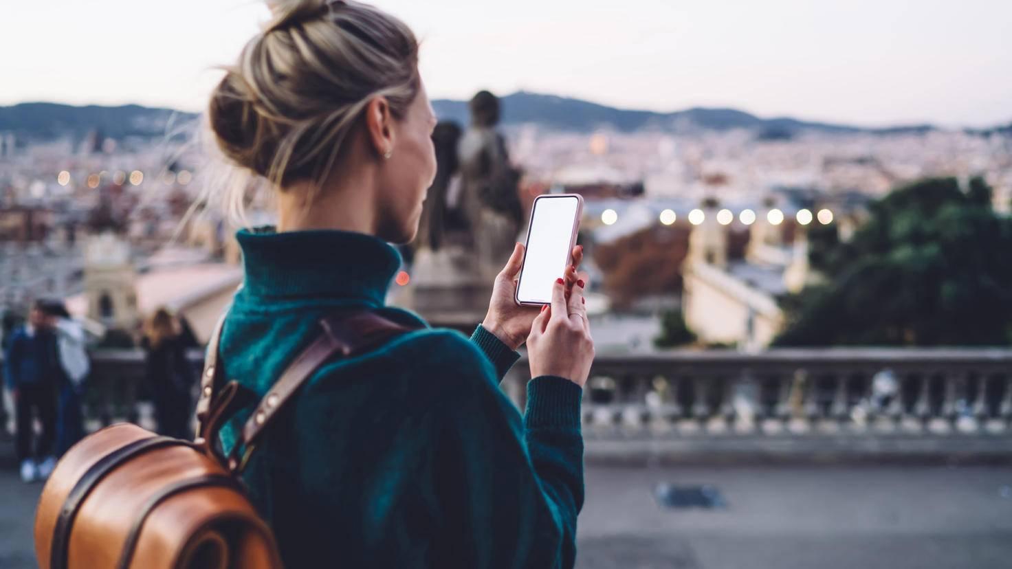 travel app woman barcelona